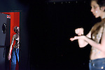 Schw&auml;rmen<br /> <br /> Conception : Lyllie Rouvi&egrave;re<br /> Interpr&eacute;tation : Arany Vir&aacute;g et Ivan Ekemark<br /> Lumi&egrave;re : Marie Nicolas<br /> Son : Patricia Delasalle<br /> Salle Panop&eacute;e &agrave; Vanves le 30/03/2015<br /> Le 02/03/2015