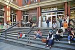 MITO per la citta, appuntamenti musicali itineranti per Settembre Musica. Les Hautbois di fronte alla Biblioteca Civica Italo Calvino.
