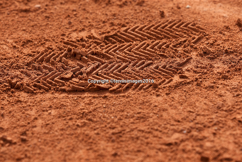 Paris, France, 28 June, 2016, Tennis, Roland Garros, Shoe print in the clay<br />