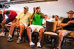 im Bild: Probleme bei Sky Übertragung, Störung, Sky wird per Mobiltelefon übertragen, (vl) Jürgen L. Born (ehemaliger Vorsitzender des Vorstandes Werder Bremen) und Ailton (Deutscher Meister 2003 / 2004 mit Werder Bremen) schauen zu, <br /><br />Sport: nphgm001: Fussball: 1. Bundesliga: Saison 19/20: 34. Spieltag: SV Werder Bremen vs 1.FC Koeln 27.06.2020 <br /><br />Foto: Rauch/gumzmedia/nordphoto<br /><br />EDITORIAL USE ONLY
