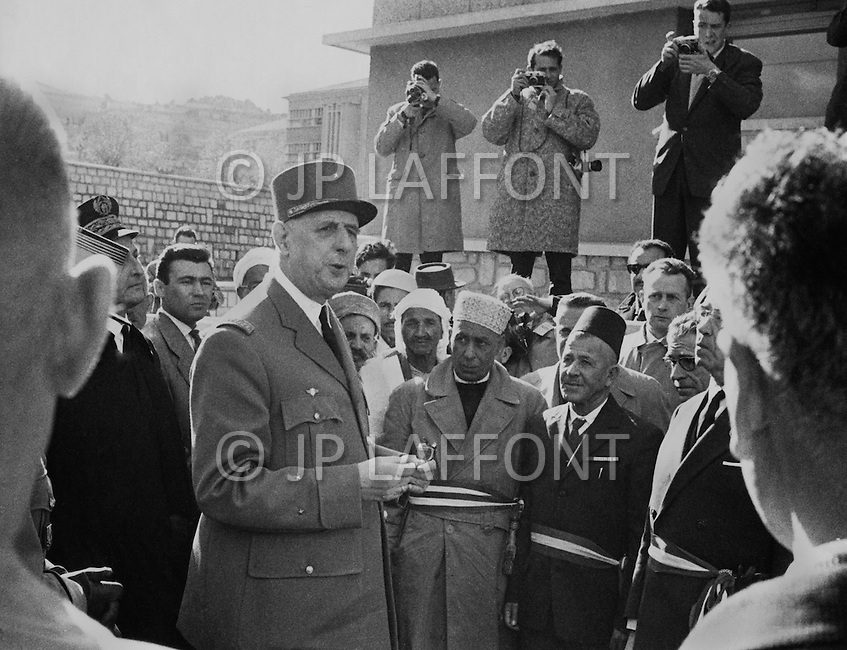 Ecole Militaire d'Infanterie de Cherchell, Algérie, December 11th, 1961. Official visit of the school by the General De Gaulle and Defense Minister Pierre Mesmer.