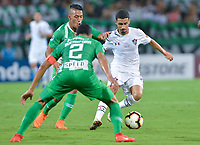 MEDELLIN - COLOMBIA, 29-05-2019: Sebastian Gomez del Nacional disputa el balón con Danielzinho del Fluminense durante partido de vuelta entre Atlético Nacional de Colombia y Fluminense de Brasil por los dieciseisavos de final de la Copa CONMEBOL Sudamericana 2019 jugado en el estadio Atanasio Girardot de la ciudad de Medellín. / Sebastian Gomez of Nacional vies for the ball with Danielzinho of Fluminense during second leg match between Atletico Nacional of Colombia and Fluminense of Brazil for the sixteenth-finals as part of the Copa CONMEBOL Sudamericana 2019 played at Atanasio Girardot stadium of Medellin city. Photo: VizzorImage / Leon Monsalve / Cont