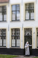 Europe/Belgique/Flandre/Flandre Occidentale/Bruges: Centre historique classé Patrimoine Mondial de l'UNESCO, Enclos du Béguinage , monastère bénédictin de la Vigne ou De Wijngaard, datant de 1245  //  Belgium, Western Flanders, Bruges: Southern part of the historic centre listed as World Heritage by UNESCO, Enclosure of the Beguine (Benedictine monastery of Vine and De Wijngaard) dating from 1245