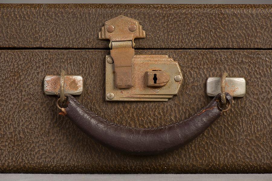 Willard Suitcases / Constance Y / ©2014 Jon Crispin