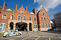 Met police car outside Marylebone British Rail Station London. This image may only be used to portray the subject in a positive manner..©shoutpictures.com..john@shoutpictures.com
