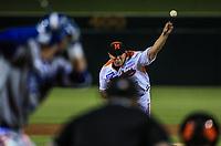 Juan Pablo Oramas de Naranjeros corre por la tercera base, durante la apertura de la temporada de beisbol de la Liga Mexicana del Pacifico 2017 2018 con el partido entre Naranjeros vs Yaquis. 11 octubre2017 . <br /> (Foto: Luis Gutierrez /NortePhoto.com)