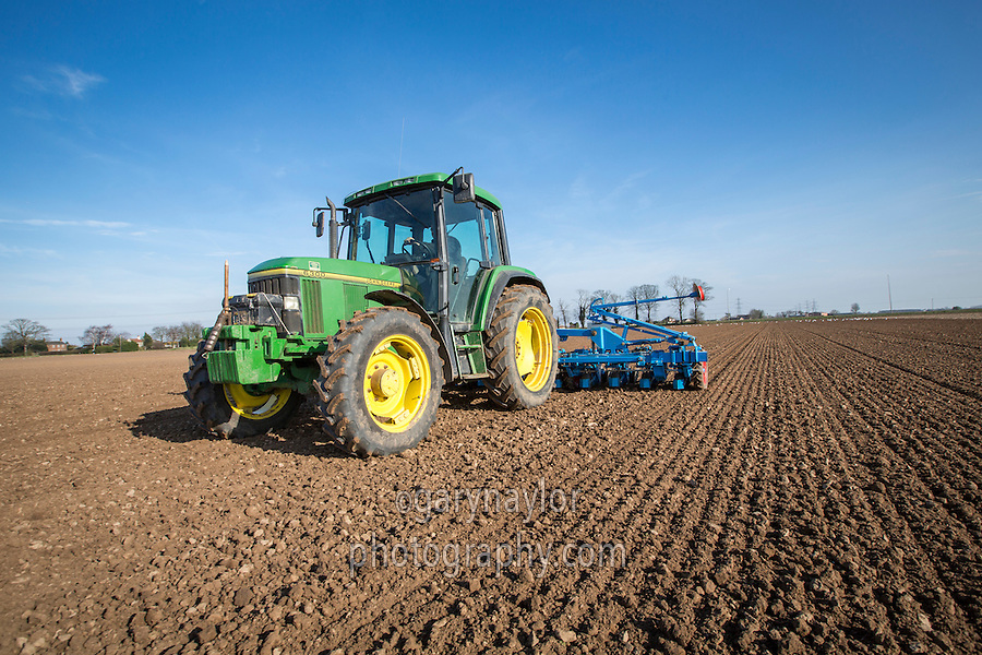 Drilling sugar beet with twelve row Monosem drill - Lincolnshire, March