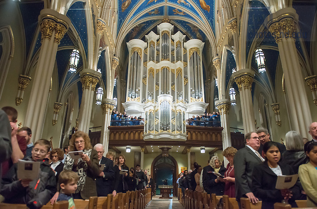 January 19, 2017; The Eucharist for the Feast of Blessed Basil Moreau, C.S.C. mass in the Basilica of the Sacred Heart. (Photo by Barbara Johnston/University of Notre Dame)