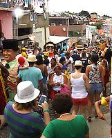 OLINDA, PE - 09.02.2016 - CARNAVAL-PE- O Homem da Meia e a Mulher do Dia abrem os desfiles dos bonecos gigantes em Olinda, nesta terça-feira, 09. (Foto: Jean Nunes/Brazil Photo Press)