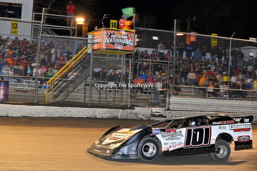 Feb 20, 2014; 9:29:21 PM;  Barberville, FL, USA;  World of Outlaws Late Model Series for 43rd Annual DIRTcar Nationals presented by Summit Racing Equipment at Volusia Speedway Park.  Mandatory Credit: (thesportswire.net)