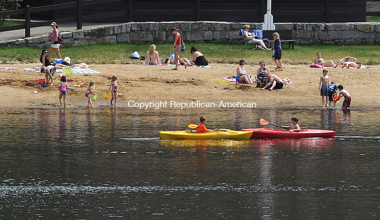 LITCHFIELD, CT-16 APRIL 2012--041612JS01-With Monday's warm temperatures and many area schools on spring break, Mt. Tom State Park in Litchfield was busy with people out to enjoy the warm day. .Jim Shannon Republican-American