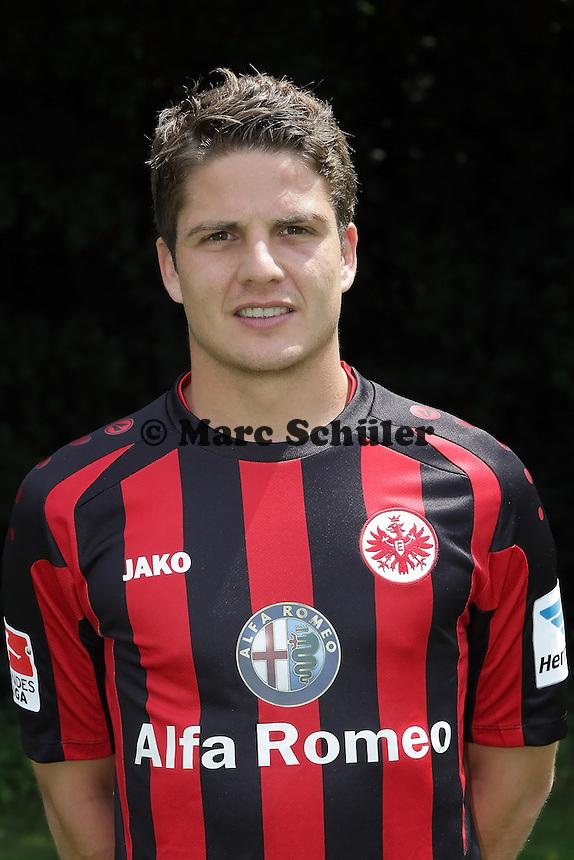 Pirmin Schwegler - Eintracht Frankfurt Mannschaftsfoto 2013/14