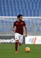 Calcio, Serie A: Roma vs Lazio. Roma, stadio Olimpico, 8 novembre 2015.<br /> Roma's Mohamed Salah in action during the Italian Serie A football match between Roma and Lazio at Rome's Olympic stadium, 8 November 2015.<br /> UPDATE IMAGES PRESS/Isabella Bonotto