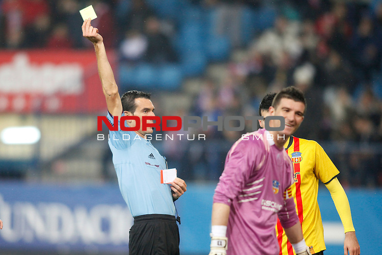 Saint Andreu¬¥s goalkeeper receives a yellow card during Copa del Rey 2013-14 match at Vicente Calderon Stadium in Madrid, Spain. Foto © nordphoto / Victor Blanco) *** Local Caption ***