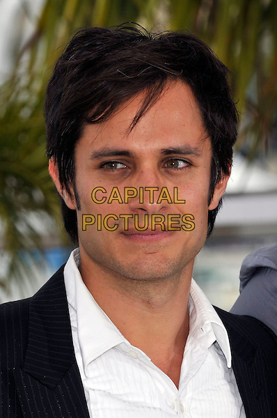 GAEL GARCIA BERNAL.attends a Photocall during the 63rd Annual Cannes International Film Festival in Cannes, France, .May 13th, 2010..portrait headshot white shirt black .CAP/PL.©Phil Loftus/Capital Pictures.