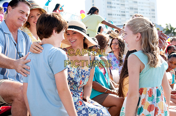 JIM FITZPATRICK, NATHAN GAMBLE, ASHLEY JUDD & COZI ZUEHLSDORFF.in Dolphin Tale.*Filmstill - Editorial Use Only*.CAP/FB.Supplied by Capital Pictures.