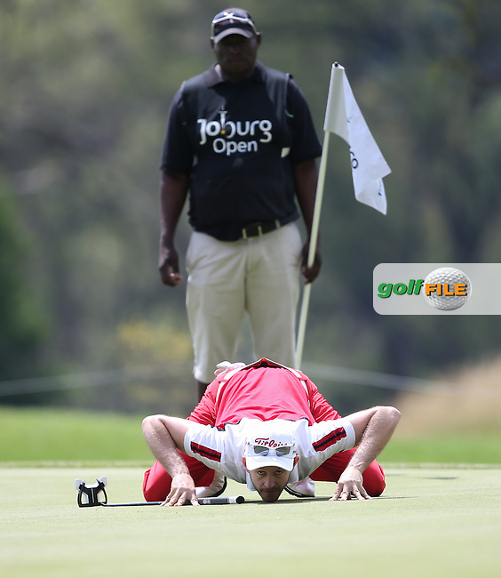 Stuart Manley (WAL) in putting action on the 8th hole on St David's Day, during the final round on the East Course of the Joburg Open 2015 at the Royal Johannesburg & Kensington Golf Club, Johannesburg, Gauteng, South Africa. Picture:  David Lloyd / www.golffile.ie. 01/03//2015