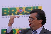 BRASILIA, DF, 19 JULHO 2012 - ACOES DO BRASIL NAS OLIMPIADAS DE LONDRES - O presidente da Embratur Flavio Dino durante apresentacao  das acoes de promocao do Brasil durante os Jogos Olimpicos e Paralimpicos de 2012, em Londres. Coletiva realizada no Ministerio do Esporte em Brasilia, nesta quinta-feira, 19. (FOTO: PEDRO FRANCA / BRAZIL PHOTO PRESS).