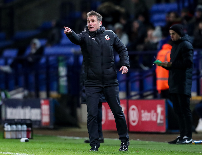Bolton Wanderers' manager Phil Parkinson instructing his players<br /> <br /> Photographer Andrew Kearns/CameraSport<br /> <br /> The EFL Sky Bet Championship - Bolton Wanderers v Reading - Tuesday 29th January 2019 - University of Bolton Stadium - Bolton<br /> <br /> World Copyright © 2019 CameraSport. All rights reserved. 43 Linden Ave. Countesthorpe. Leicester. England. LE8 5PG - Tel: +44 (0) 116 277 4147 - admin@camerasport.com - www.camerasport.com