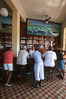 """Cuba/Env La Havane/Cojimar: Au restaurant """"la Terrazza"""" fréquenté par Ernest Hemingway [son bateau de pêche était arrimé à Cojimar]"""
