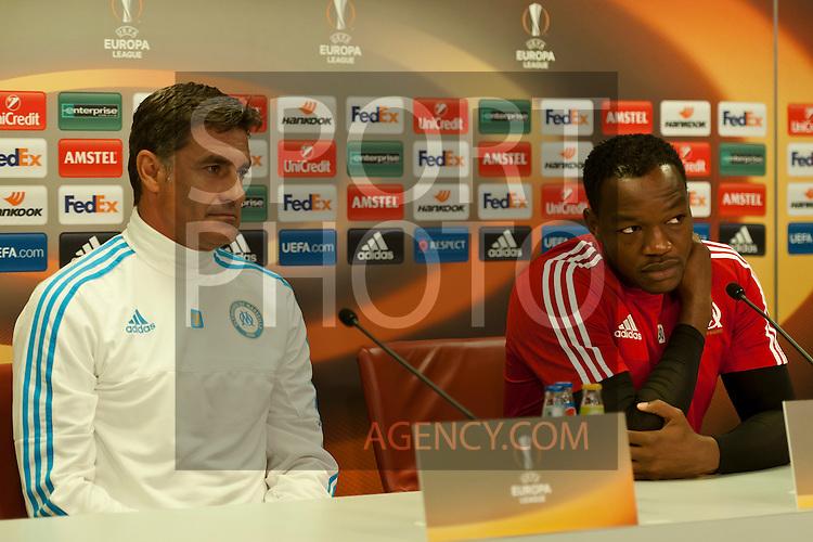 Voetbal: 16-9-2015,UEFA, Fc Groningen vs Olympique de Marseille,Pressconference,(L- R), Michel coach of Olympique de Marseille,Steve Mandanda of Olympique de Marseille