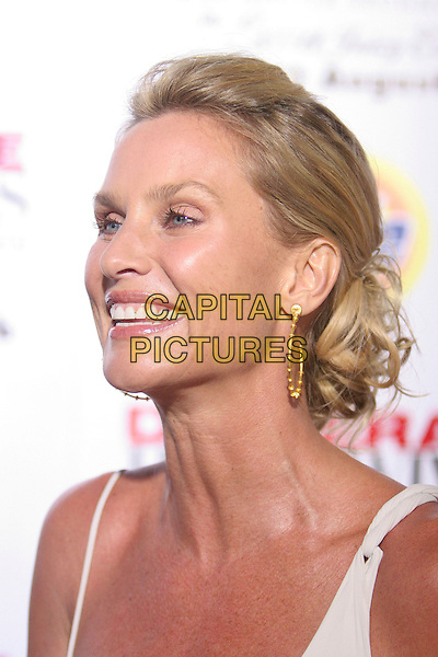 "NICOLLETTE SHERIDAN.Desperate Housewives: Extra Juicy Edition Season 2 DVD Launch Event: Arrivals held on ""Wysteria Lane"", Universal City, California, USA..August 5th, 2006.Photo: Zach Lipp/AdMedia/Capital Pictures.Ref: ADM/ZL.headshot portrait .www.capitalpictures.com.sales@capitalpictures.com.©Zach Lipp/AdMedia/Capital Pictures."
