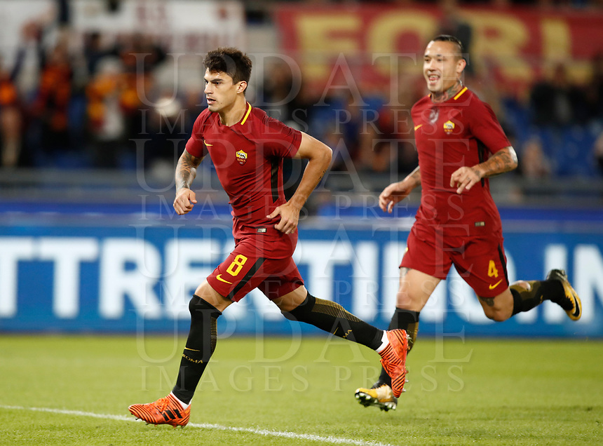 Calcio, Serie A: Roma, stadio Olimpico, 25 ottobre 2017.<br /> AS Roma Diego Perotti celebrates after scoring during the Italian Serie A football match between AS Roma and Crotone at Rome's Olympic stadium, October 25, 2017.<br /> UPDATE IMAGES PRESS/Isabella Bonotto