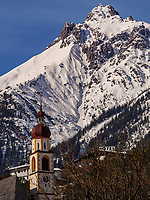 Lechtaler Alpen, Pfarrkirche von Tarrenz im Gurgltal Bezirk Imst, Tirol, Österreich, Europa<br /> Lechtal Alps, parish church of Tarrenz, district Imst, Tyrol, Austria, Europe