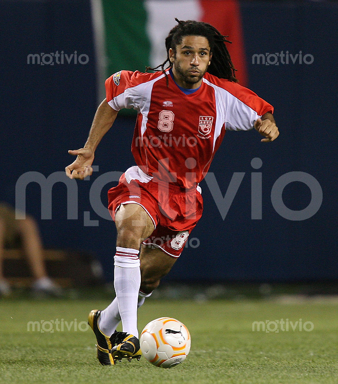Fussball International Gold Cup Halbfinale  Guadeloupe 0-1 Mexico Stephane Auvray (GLP)