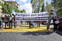 Roma, 25 aprile 2012.Corteo per la Liberazione dal nazifascismo..Per l'acqua pubblica