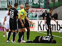 Carlos Salcedo (Eintracht Frankfurt) ist verletzt und muss ausgewechselt werden - 01.09.2018: Eintracht Frankfurt vs. SV Werder Bremen, Commerzbank Arena, 2. Spieltag DISCLAIMER: DFL regulations prohibit any use of photographs as image sequences and/or quasi-video.