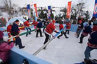 Amérique/Amérique du Nord/Canada/Québec/ Québec:  Lors du Carnaval de Québec, les Plaines d'Abraham , Parc des Champs de Bataille, sont transformées en terrain de jeu familial-Ici un baby-foot avec des vrais joueurs