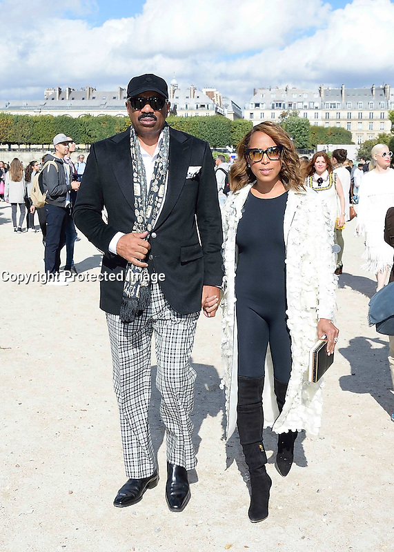 Steve HARVEY with his wife Marjorie - Show Elie Saab - Paris Fashion Week Womenswear Spring/Summer 2017 - 1 octobre 2016 - FRANCE