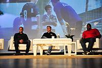 """SÃO PAULO,SP, 25.04.2017 - DIA-GOLEIRO - Os ex's goleiros Harlei(esq), Zetti (centro) e Renê(dir) durante a segunda edição do workshop """"A Melhor Defesa"""" em comemoração do dia do goleiro, no Esporte Clube Banespa na zona sul de São Paulo na noite desta terça-feira (25).(Foto: Renato Gizzi/Brazil Photo Press)"""