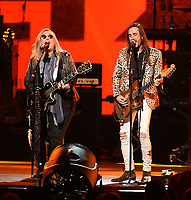 LOS ANGELES - JANUARY 24:  Melissa Etheridge and Nuno Bettencourt perform on the 2020 MusiCares Person of the Year tribute concert honoring Aerosmith on January 24, 2020 in Los Angeles, California. (Photo by Frank Micelotta/PictureGroup)