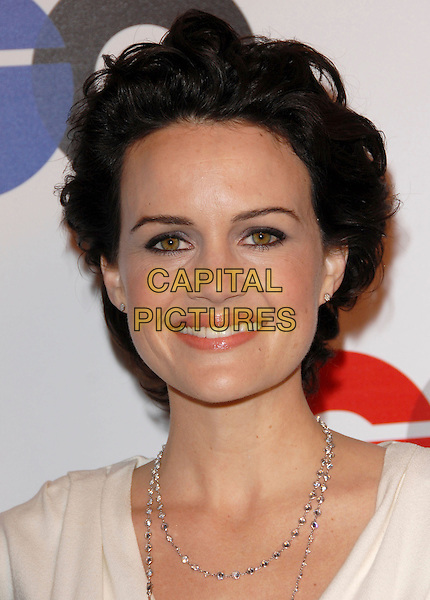 CARLA GUGINO.The 2007 GQ Men of the Year Celebration at Chateau Marmont in West Hollywood, California, USA..December 5th, 2007.headshot portrait necklace .CAP/DVS.©Debbie VanStory/Capital Pictures