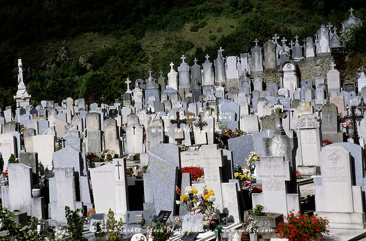 Graves at the cemetery in Vienne, France.
