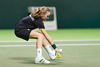 Rotterdam, Netherlands, 12 Februari, 2018, Ahoy, Tennis, ABNAMROWTT, ballgirl<br /> Photo:tennisimages.com
