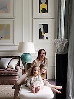 Sofia Barattieri di San Pietro with her daughters Violette and Apolline in the living room