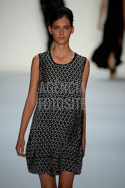Riani_ready_to_wear_Spring_Summer_2014_BERLIN_july_2013