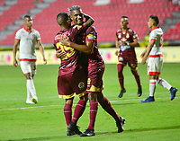 IBAGUE - COLOMBIA, 04-08-2019: Danovis Banguero del Tolima celebra después de anotar el primer gol de su equipo partido entre Deportes Tolima e Independiente Santa Fe por la fecha 4 de la Liga Águila II 2019 jugado en el estadio Manuel Murillo Toro de la ciudad de Ibagué. / Danovis Banguero of Tolima celebrates after scoring the first goal of his team during match between Deportes Tolima and Independiente Santa Fe for the date 4 as part of Aguila League II 2019 played at Manuel Murillo Toro stadium in Ibague. Photo: VizzorImage / Juan Carlos Escobar / Cont