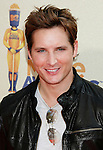 UNIVERSAL CITY, CA. - May 31: Actor Peter Facinelli  arrives at the 2009 MTV Movie Awards held at the Gibson Amphitheatre on May 31, 2009 in Universal City, California.