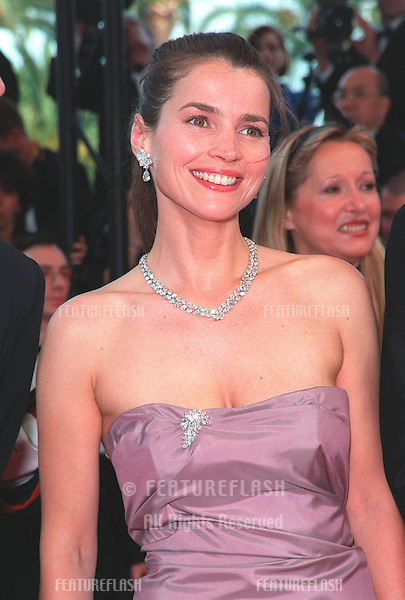 """12MAY99:  Actress JULIA ORMOND arriving at the gala opening of the 52nd Cannes International Film Festival. .The opening movie was her movie """"The Barber of Siberia."""".© Paul Smith / Featureflash"""