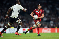 Chris Robshaw of England in possession. Rugby World Cup Pool A match between England and Fiji on September 18, 2015 at Twickenham Stadium in London, England. Photo by: Patrick Khachfe / Onside Images
