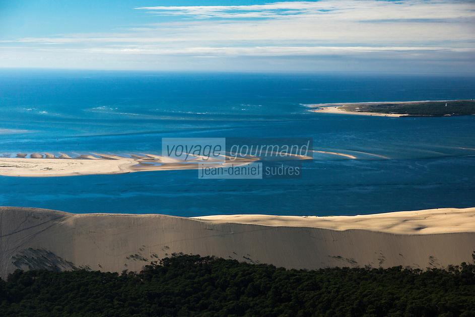 France, Gironde (33),Bassin d'Arcachon, la Dune du Pyla  et le banc d'Arguin , vue aérienne //  France, Gironde, Bassin d'Arcachon, The Great Dune of Pyla and The Banc d'Arguin, Arguin bank,an immense sandbank between Cap Ferret and the Great Dune of Pilat, aerial view