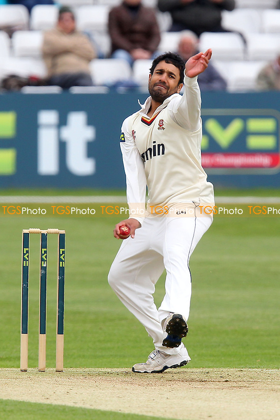 Ravi Bopara in bowling action for Essex - Essex CCC vs Kent CCC - LV County Championship Division Two Cricket at the Essex County Ground, Chelmsford - 23/05/13 - MANDATORY CREDIT: Gavin Ellis/TGSPHOTO - Self billing applies where appropriate - 0845 094 6026 - contact@tgsphoto.co.uk - NO UNPAID USE.