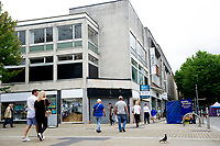 Pictured: A general view of Oxford Street, Swansea.<br /> Friday 03 August 2018<br /> Re: The effect of increasing business rates and internet retail giant Amazon has had on the High Street in Swansea, Wales, UK.