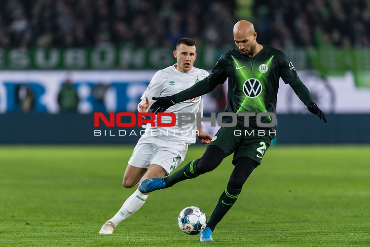 01.12.2019, Volkswagen Arena, Wolfsburg, GER, 1.FBL, VfL Wolfsburg vs SV Werder Bremen<br /> <br /> DFL REGULATIONS PROHIBIT ANY USE OF PHOTOGRAPHS AS IMAGE SEQUENCES AND/OR QUASI-VIDEO.<br /> <br /> im Bild / picture shows<br /> Maximilian Eggestein (Werder Bremen #35), <br /> John Anthony Brooks (VfL Wolfsburg #25), <br /> <br /> Foto © nordphoto / Ewert