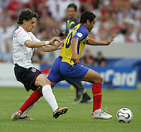 Edwin Tenorio, Owen Hargreaves.  England defeated Ecuador, 1-0, in their FIFA World Cup round of 16 match at Gottlieb-Daimler-Stadion in Stuttgart, Germany, June 25, 2006.