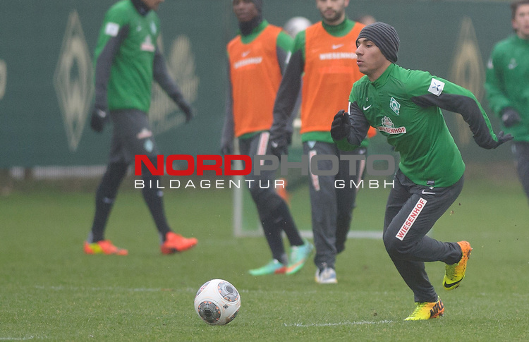 21.01.2014, Trainingsgelaende, Bremen, GER, 1.FBL, Training Werder Bremen, im Bild &Ouml;zkan / Oezkan Yildirim (Bremen #32)<br /> <br /> Foto &copy; nordphoto / Frisch
